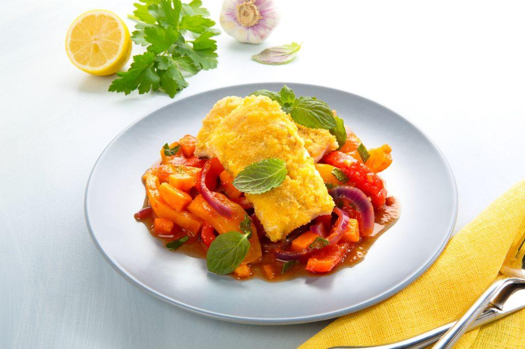 Foto, Foodfoto, Foodfotograf, Fischgericht. Kabeljau auf Paprika-Süßkartoffelgemüse