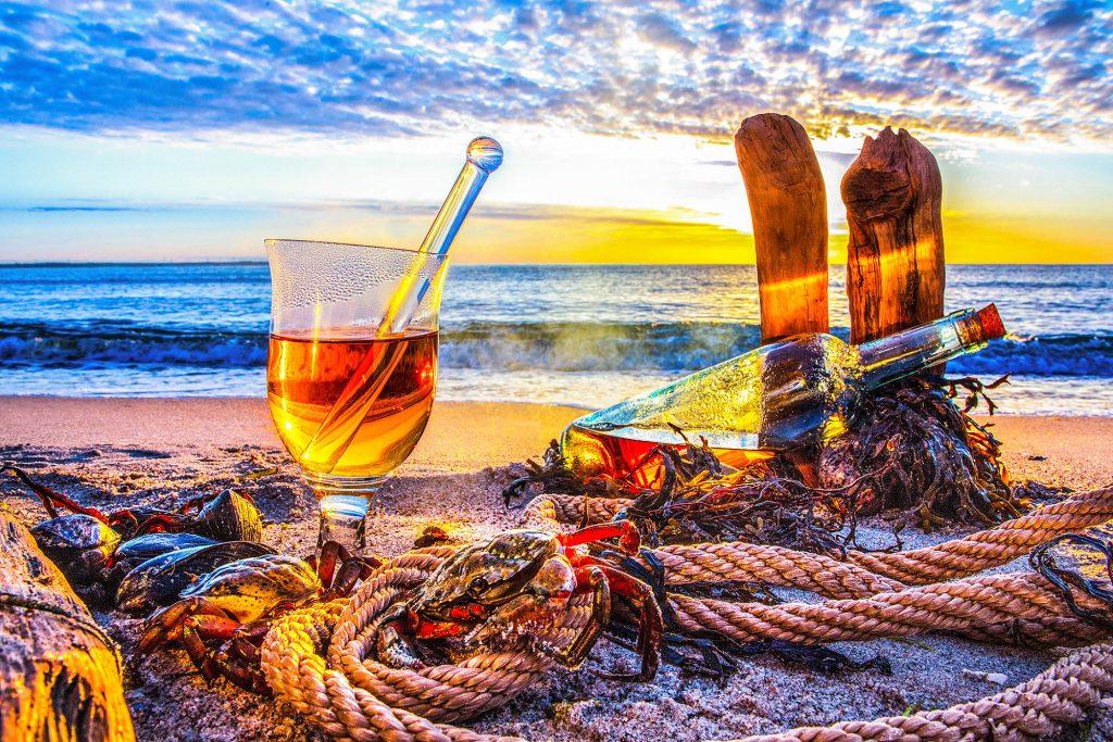 Rumgrog am Ostseestrand - groggy aus der Fotoserie Strandgut