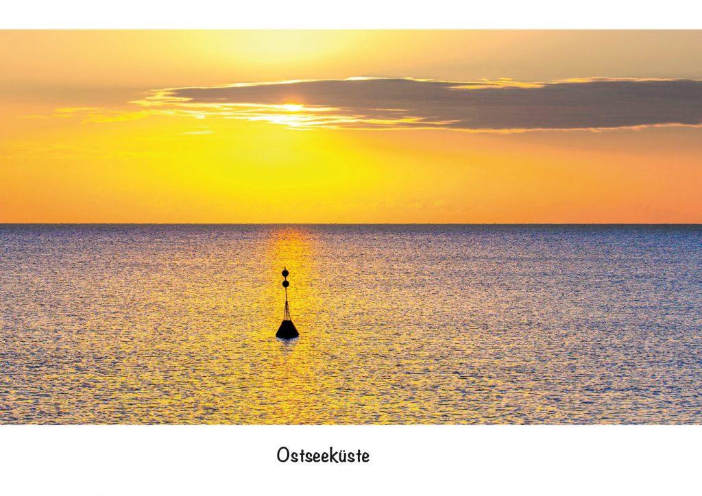 Ansichtskarte Ostsee, Ostseeküste. Sonnenaufgang über der Ostsee